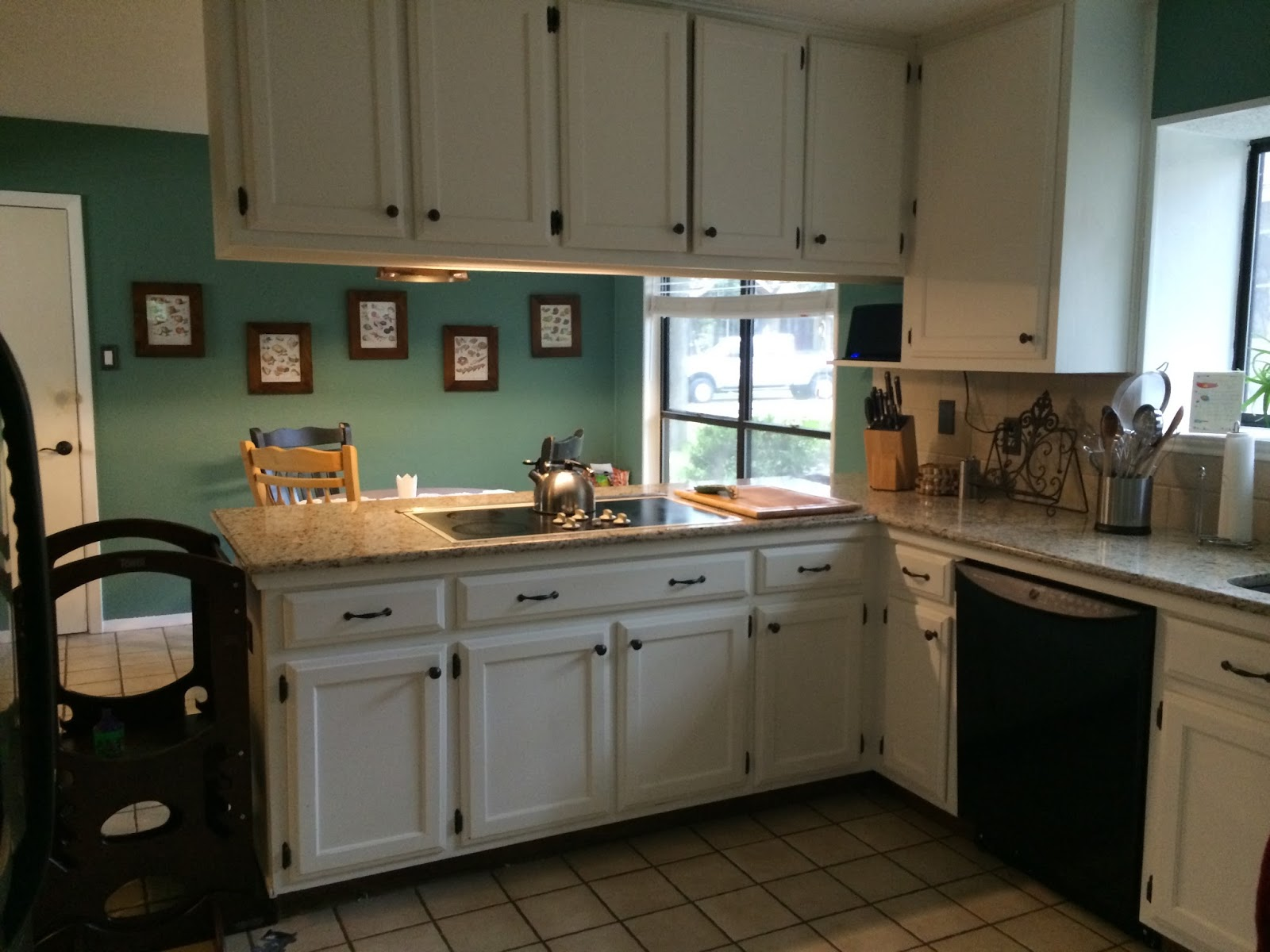 Mesmerizing 10 Behr Kitchen Cabinet Paint Inspiration