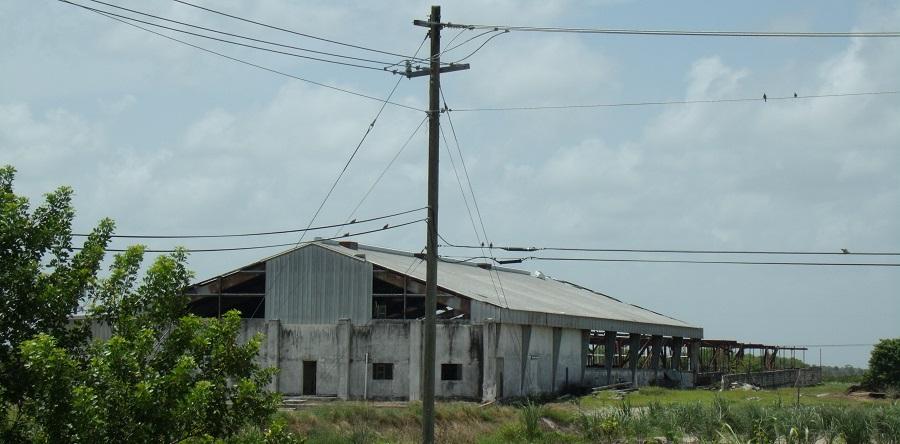 Fincas e industrias en la Glades Cutoff Rd