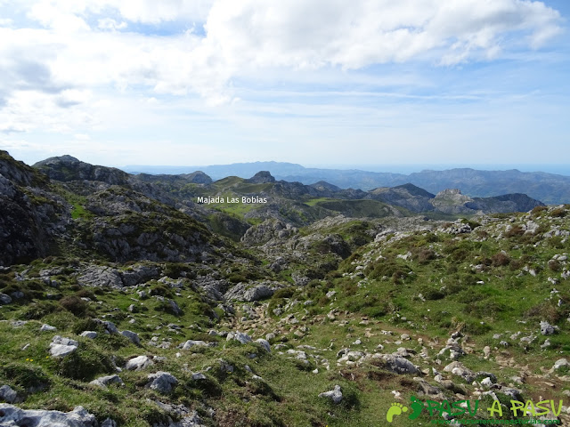 Bajando a la Majada las Bobias y Lago Ercina desde el Collado el Jito