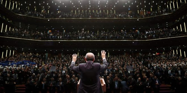 """Ο Ερντογάν """"πληγωμένο θηρίο"""" γίνεται επικίνδυνος, μιλά με γρίφους και ξεχνά τον Ναπολέοντα"""