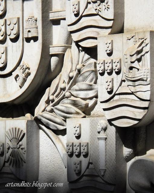 Amanhã, dia 10 de Junho, comemora-se no nosso país, o Dia de Portugal, de Camões, e das Comunidades Portuguesas. / Tomorrow, June 10th, it is celebrated in our country, Portugal's National Day. It is the Day of Portugal, Camões and the Portuguese Communities.