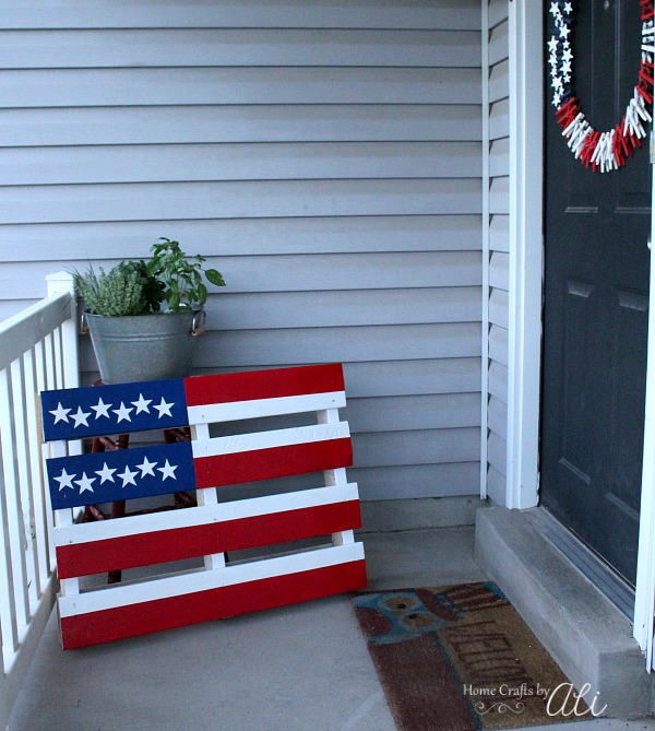#8 creative post diy painted american flag pallet project