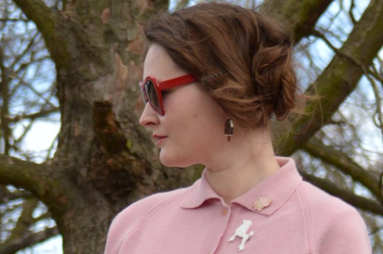 think pink funny face, diana vreeland, audrey hepburn movie, jackie onasis inspired ootd, czech fashion blog, heart shaped glasses, pink outfit, spring fashion, georgiana quaint, quaintrelle, dandy fashion