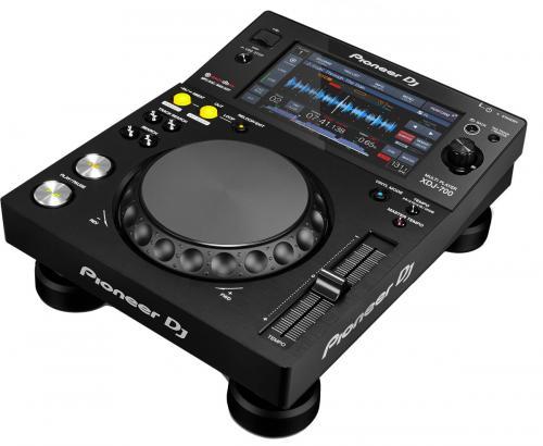 DJ Tricks & Tips: Pioneer XDJ 700