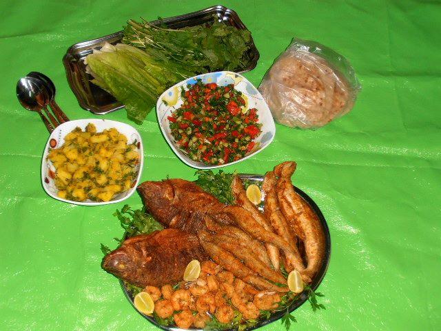 سمك مكرونه وبلطي وجمبري مقلي ـ سلطة بطاطس سلطه خضرا