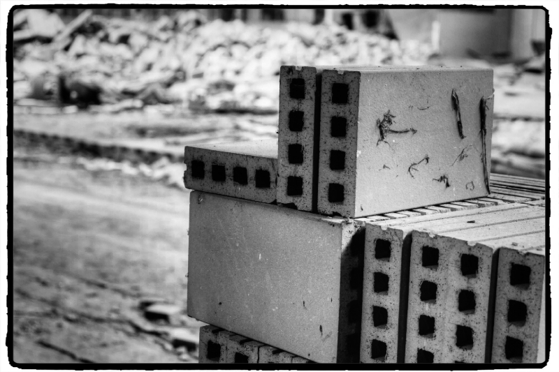 ruinen ruins ruines rovine ruinas p z cenina gail baukeramik fliesen werksruine. Black Bedroom Furniture Sets. Home Design Ideas