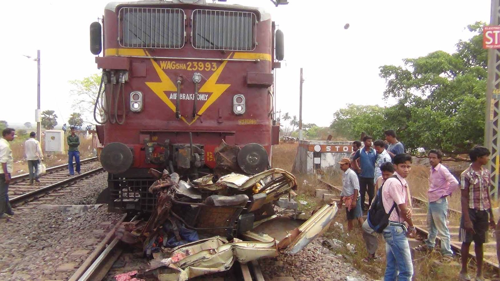 Rail & Road Accidents high in India - Pocket News Alert  Indian Railway Accidents