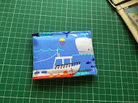 http://lestitchenfolie-ukblog.blogspot.com/2015/05/tutorial-sewing-cardholder.html