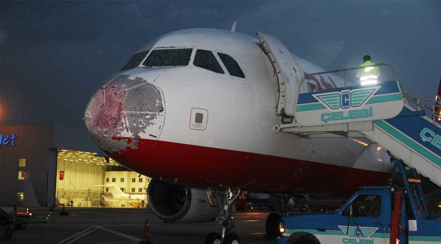 Doluya yakalanan ve zor inen Atlas Global uçağı