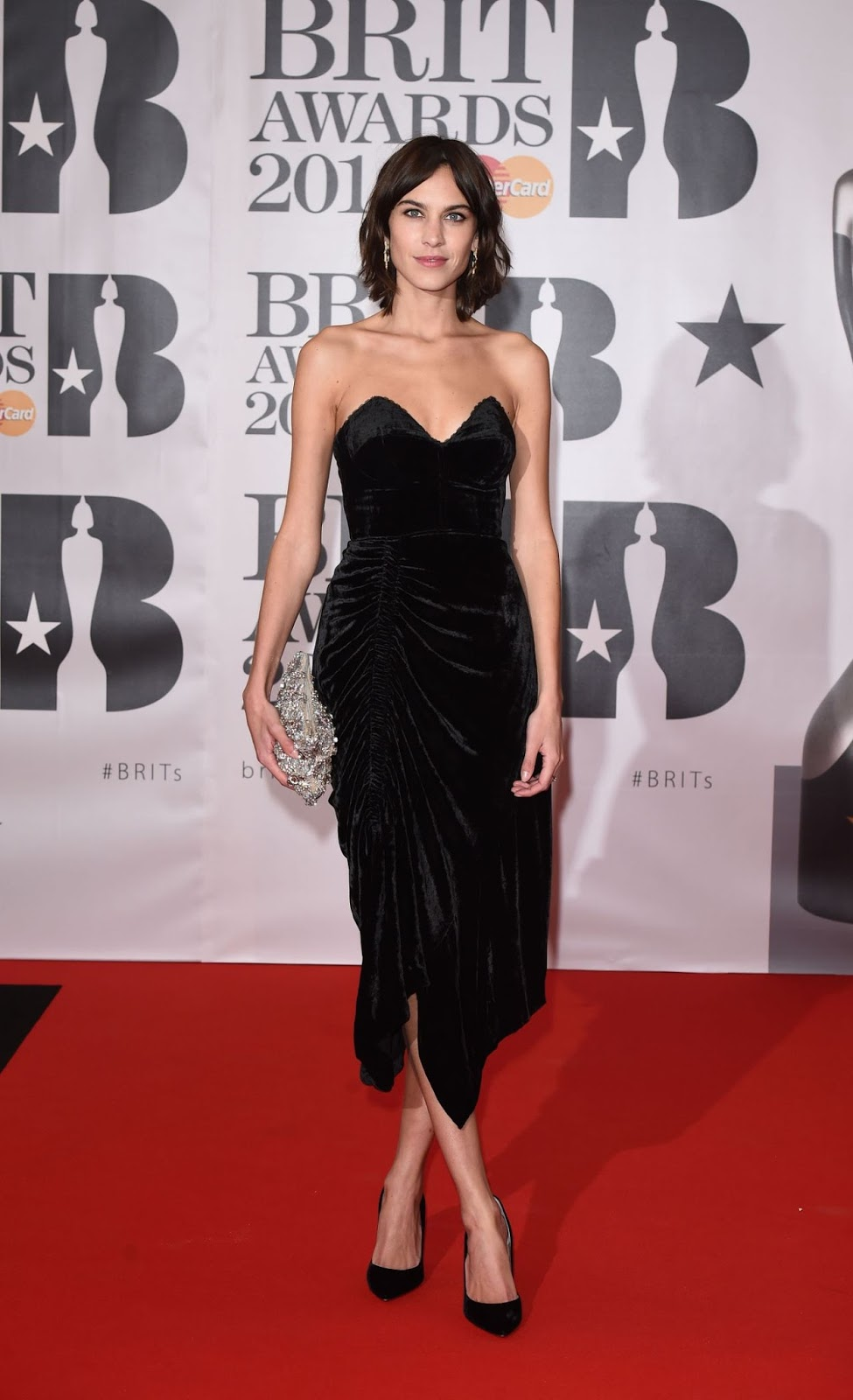 Alexa Chung is glamorous at the Brit Awards 2016