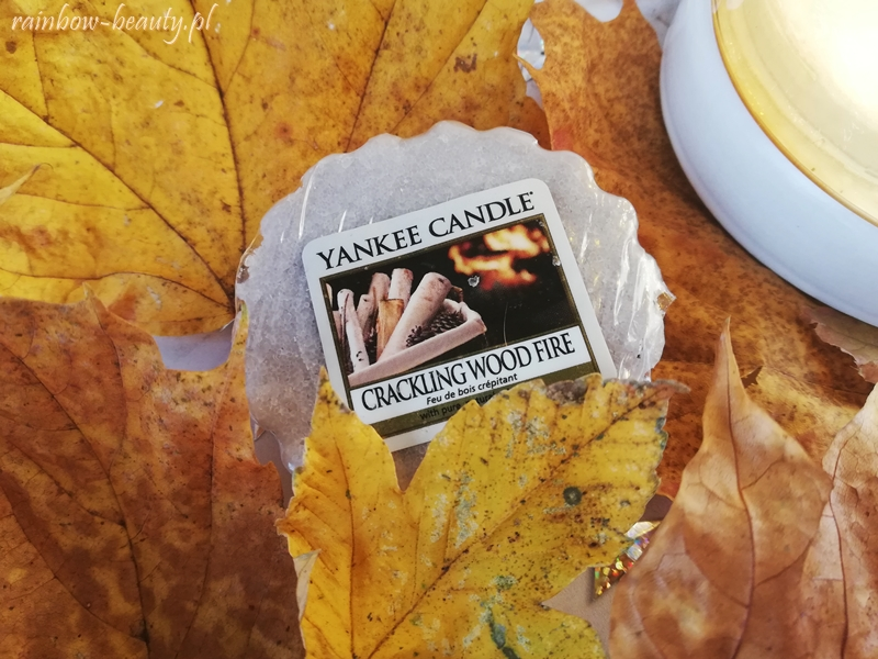 crackling-wood-fire-yankee-candle