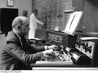 Profil Werner Meyer-Eppler - Penggagas Studio Musik Elektronik