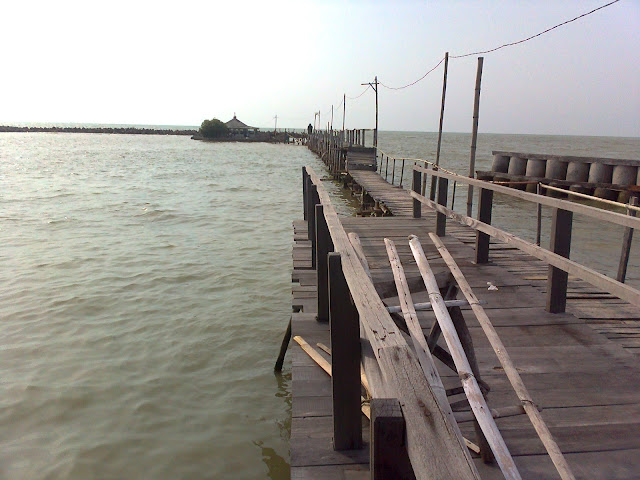 Tempat wisata Pantai Morosari jawa tengah