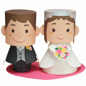 Free Printable Groom and Bride 3D Paper Toys  | Oh My Fiesta