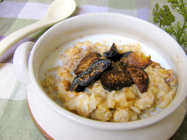 Figgy Oatmeal with Cinnamon and Nutmeg