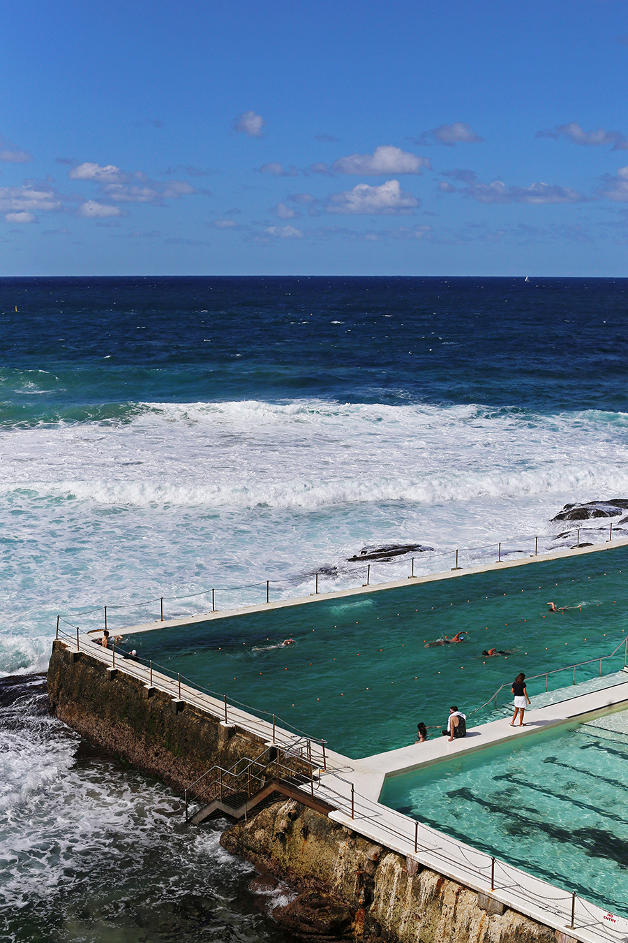 Sydney australia bondi beach fine dining at bondi icebergs club icebergs dining room and bar the club dining room is also a destination and for those who dont want to get their hair wet a great way to enjoy the famous dzzzfo