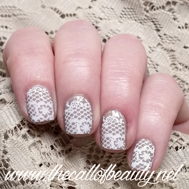 Dusty Dentelle Manicure