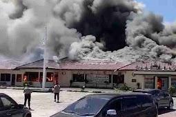 Bangunan Utama Mapolres Lampung Selatan Hangus Terbakar