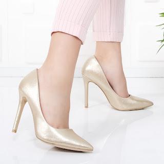 Pantofi Isabelle aurii cu toc inalt de ocazii, foarte ieftini