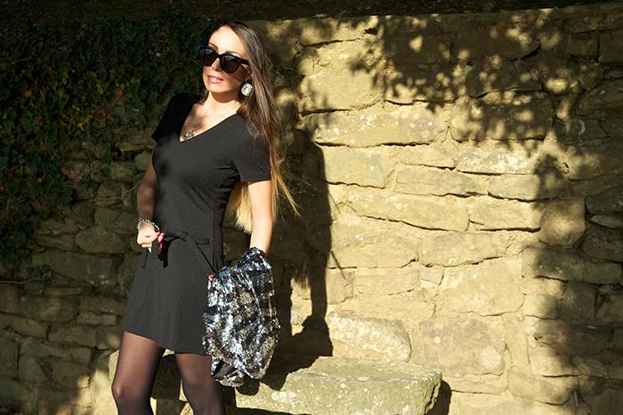 abito nero fiocco