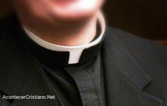 Sacerdote católico y el celibato