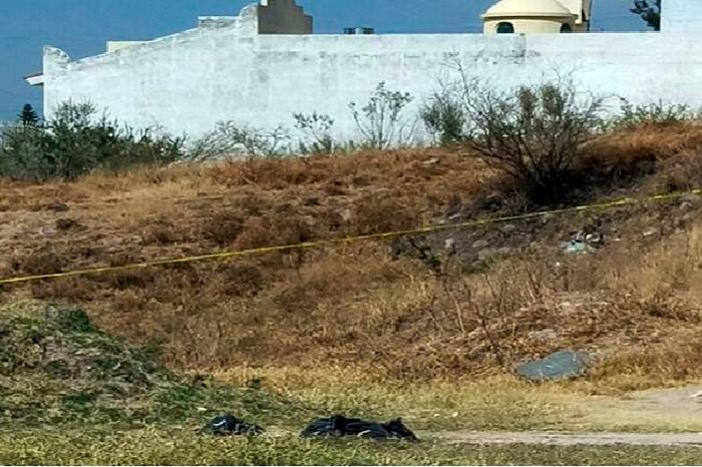 """Encuentran tres """"embolsados"""" en Michoacán"""
