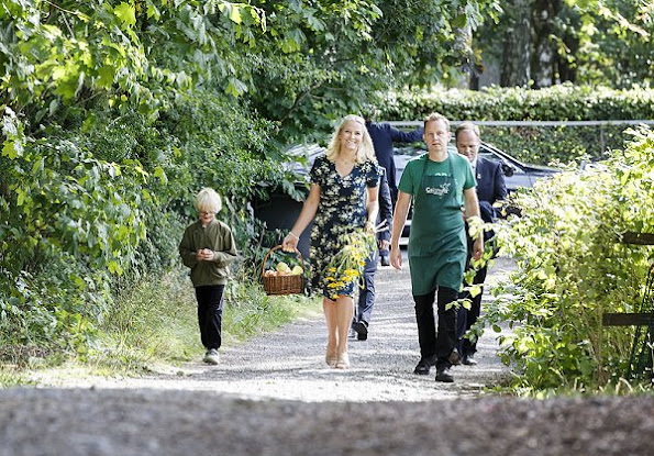 Crown Princess Mette-Marit wore BY TIMO Autumn 50's Dress