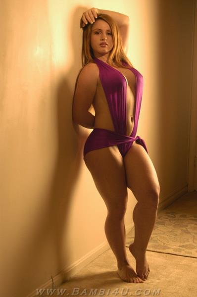 - WOMEN's muscular ATHLETIC LEGS especially CALVES - daily ...