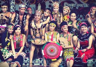Baju Adat Kalimantan Barat