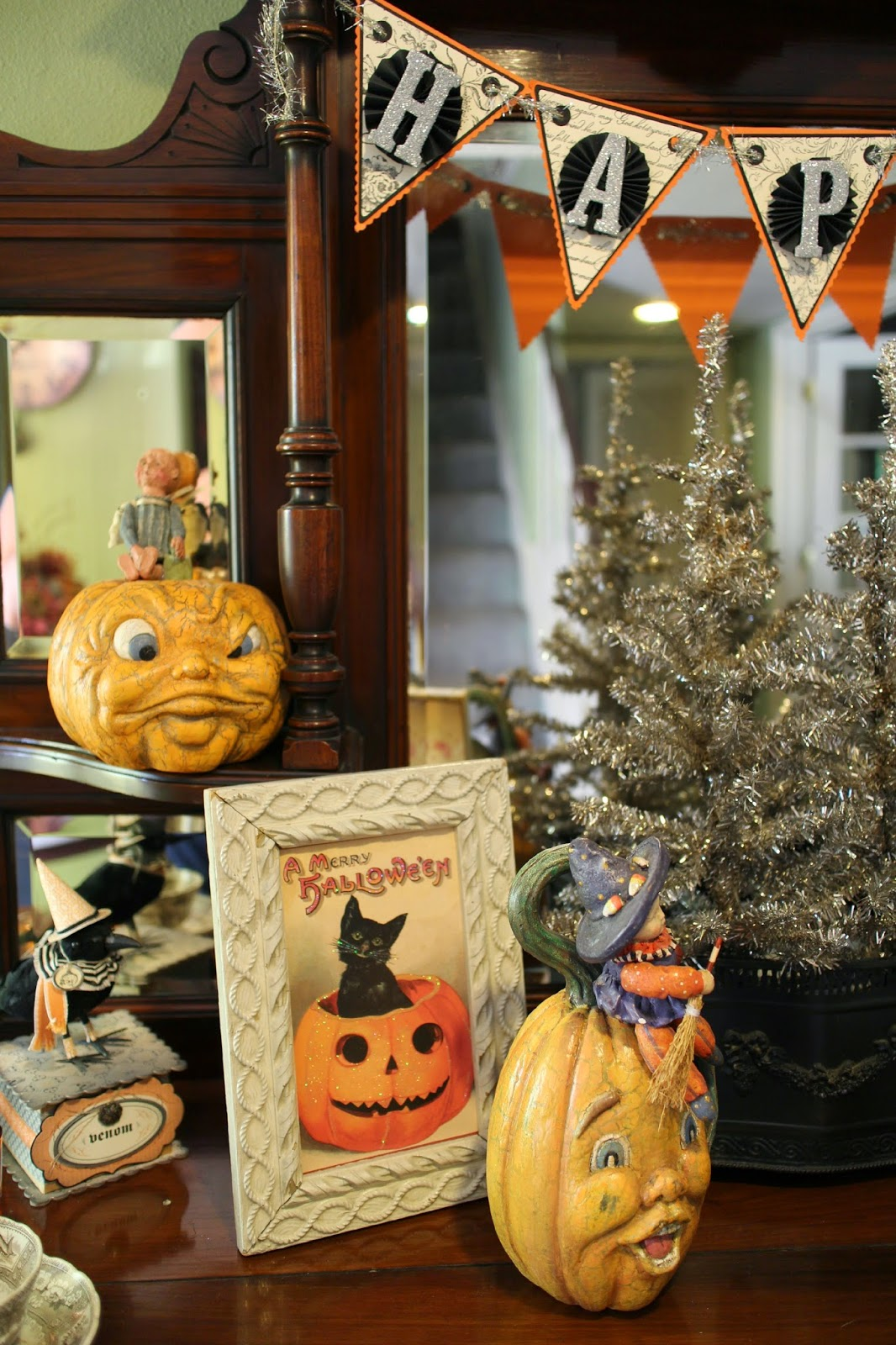 sunday view vintage halloween decorations and creations. Black Bedroom Furniture Sets. Home Design Ideas
