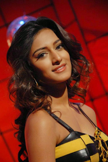 Beautiful Erica Fernandes Hd Wallpapers5.png
