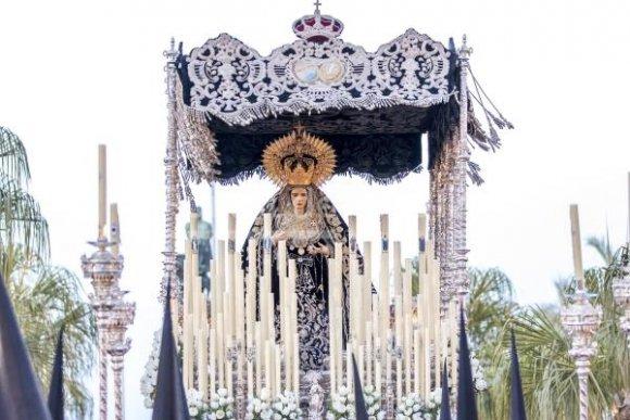 Devoto Rosario con Nuestra Señora de la Soledad de Vera Cruz de Cádiz