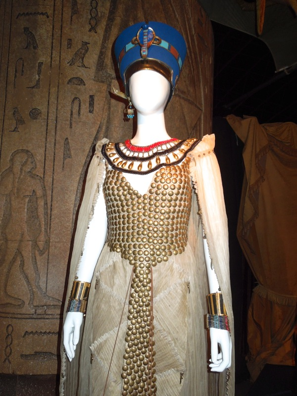 Queen Nefertiti costume Dinosaurs on a Spaceship Doctor Who