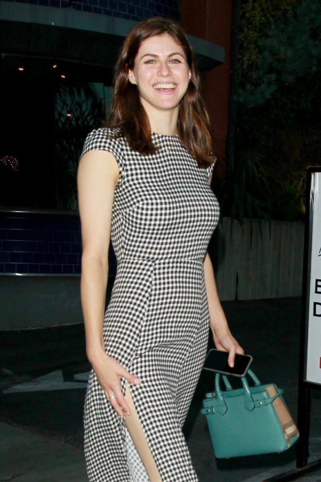 Alexandra Daddario Wore the Perfect Hot Outfit