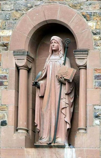 Santa Hildegarda viu no Apocalipse a descrição  de uma época de decadência muito parecida com a nossa