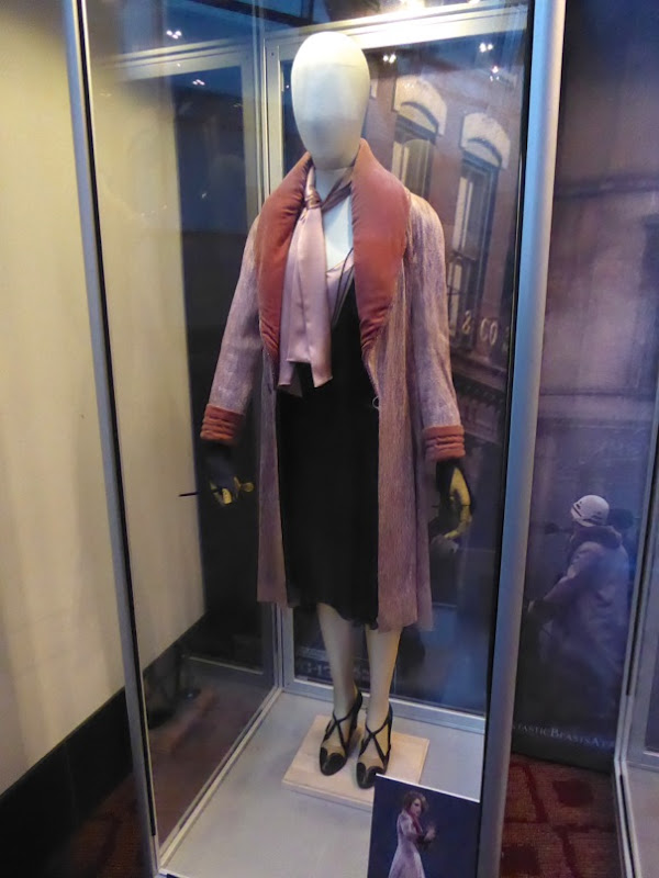 Alison Sudol Fantastic Beasts Queenie film costume