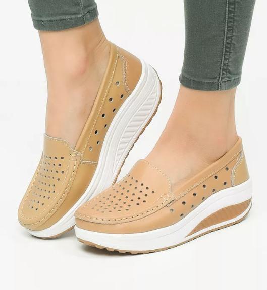 Pantofi casual femei bej cu striatii piele naturala la pret mic