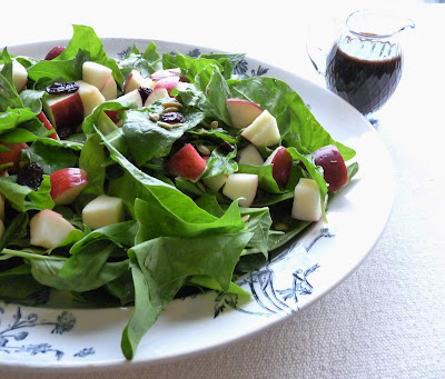 Spinach & Apple Salad with Balsamic Dressing