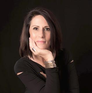 Toni Thomas: The American Makeup Artist