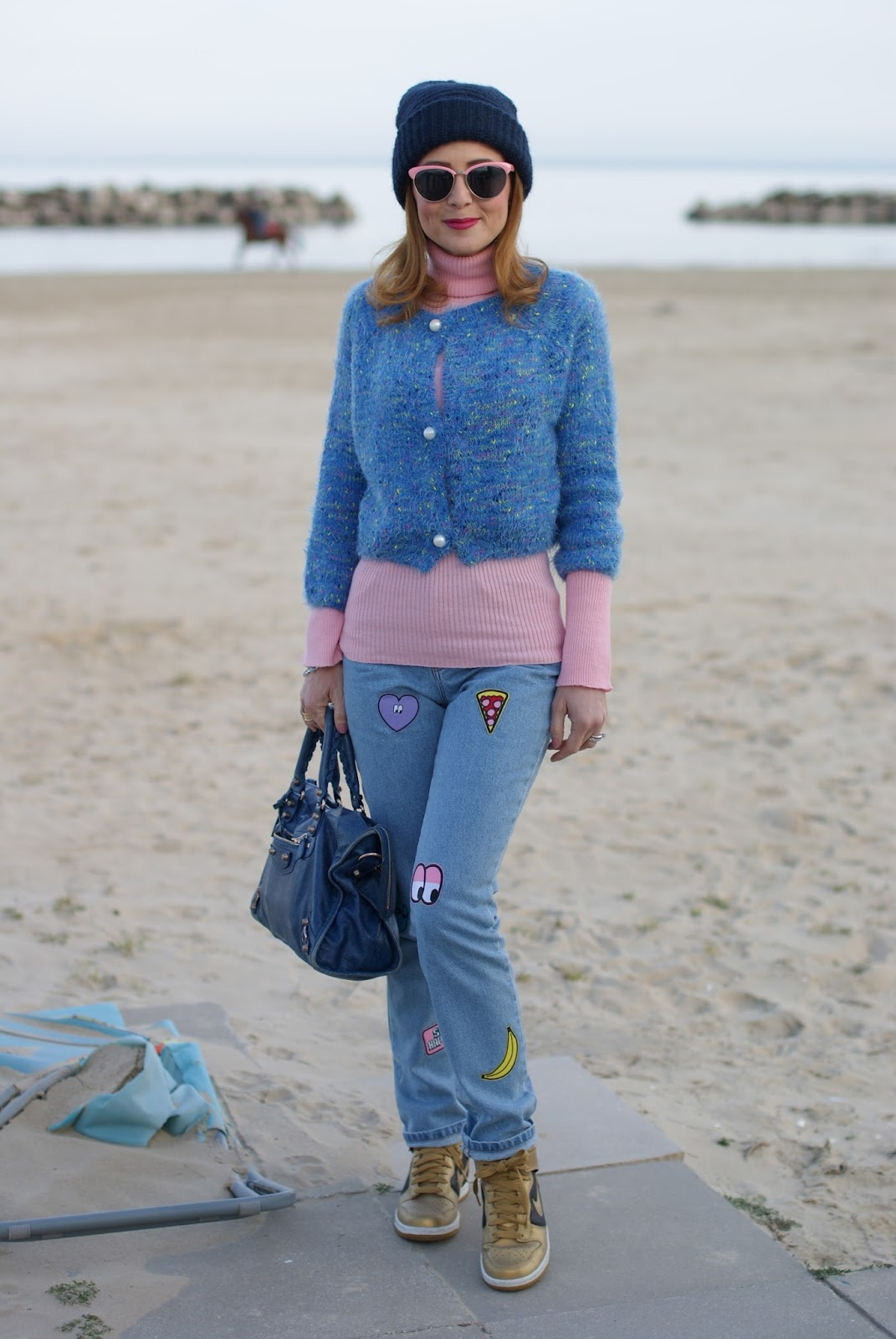Mom patched jeans, Nike golden sneakers, Balenciaga bag on Fashion and Cookies fashion blog, fashion blogger style