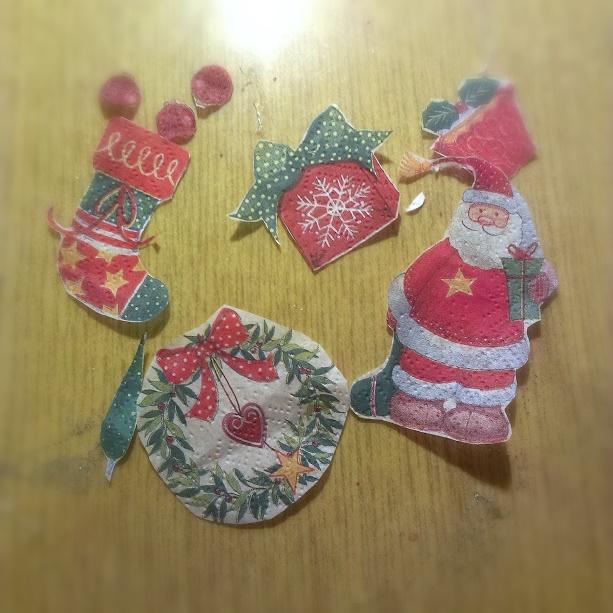 diy, dziecko, hand made, ozdoby świąteczne, tutorial, ozdoby na choinkę, jak zrobić bombkę decoupage