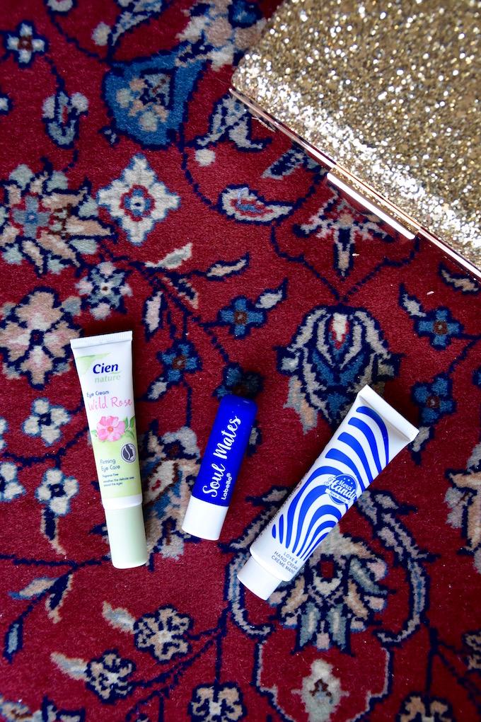 prodotti del cofanetto MyBeautyBox Girls Just Wanna Have Fun