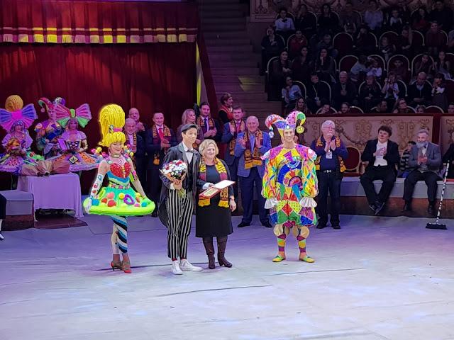 Palhaço do Circo Spacial brilha na Rússia em homenagem ao Dia do Palhaço
