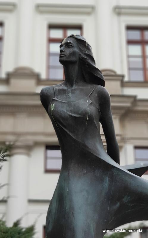Warszawa Warsaw rzeźba brąz Zbigniew Stanuch balet Moniuszki