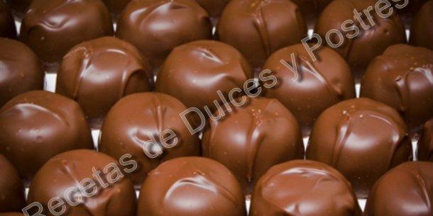 RECETA DE BOMBONES DE CHOCOLATE