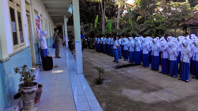 MK Bustanul Ulum - Apel Pagi Setiap Dua Minggu Sekali, SMK Bustanul Ulum sudah melaksanakan apel pagi setiap hari senin dan dua minggu sekali.
