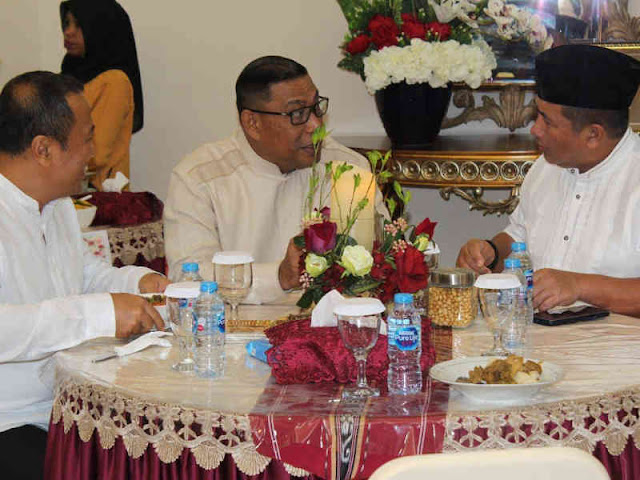 Murad Ismail Gelar Open House Lebaran di Kediaman Gubernur Maluku