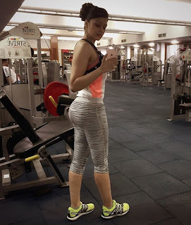 Sapna Vyas Patel in Yoga Pants Gym Selfies (15).jpg