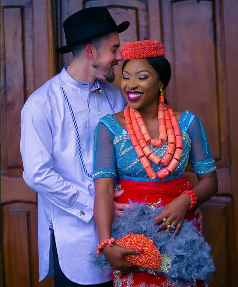 Photos of Oyibo man and Nigerian bride that broke the Internet today