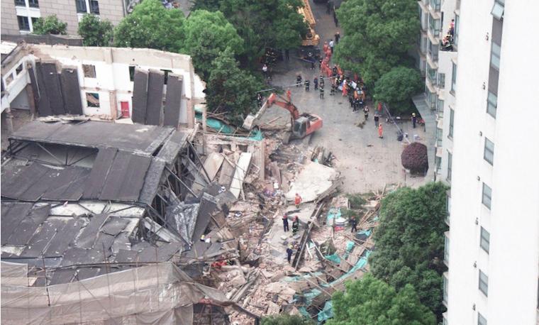 5 Orang Meninggal Dunia Akibat Gedung Yang Runtuh di Shanghai